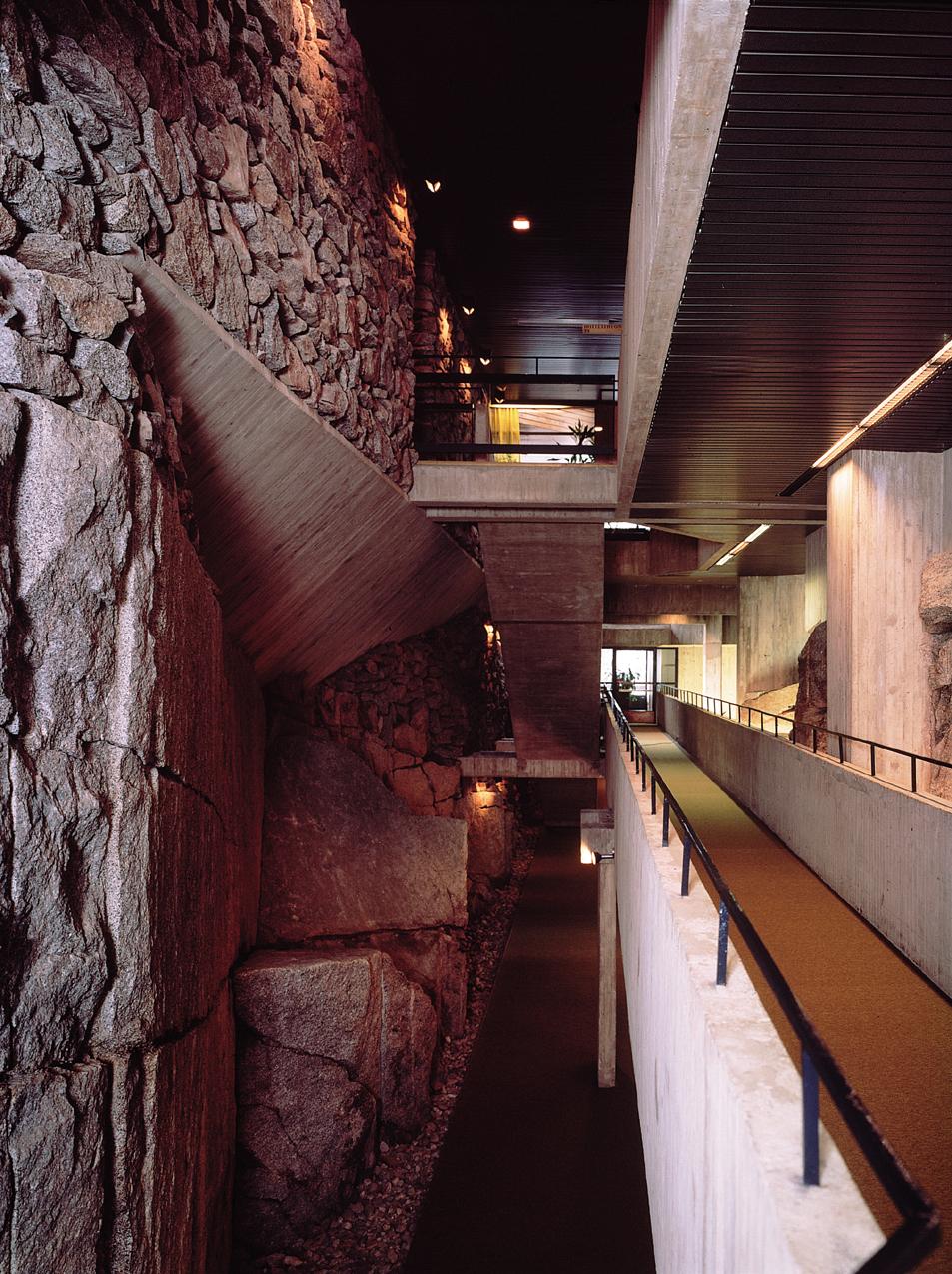 Hotelli Mesikämmen kalliokäytävä